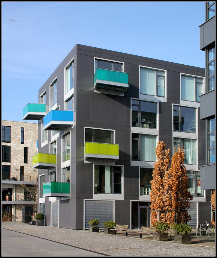 bunte balkone wohn und gesch ftshaus port6 im bremer. Black Bedroom Furniture Sets. Home Design Ideas