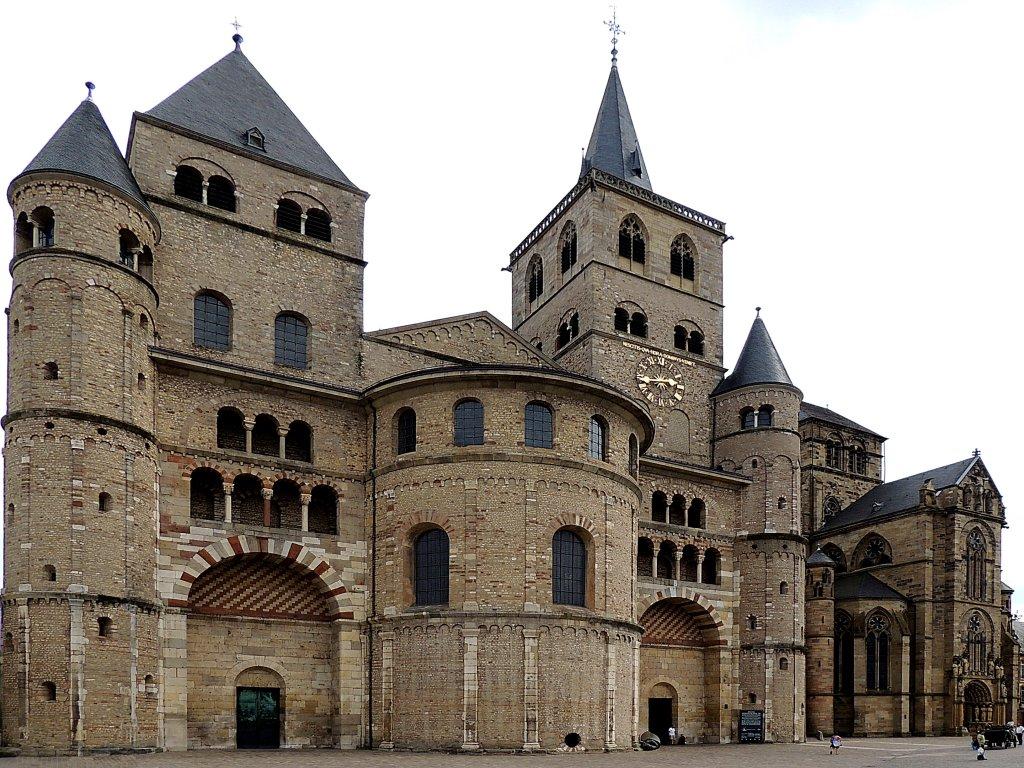 Berlin schweigt zum Anschlag auf eine Kirche | quotenqueen