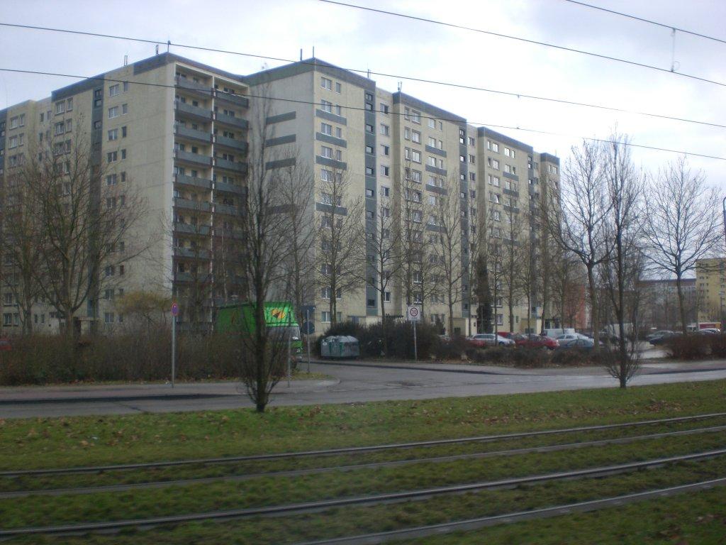 eine plattenbausiedlung am stadtrand von berlin sie steht an der falkenberger chaussee in. Black Bedroom Furniture Sets. Home Design Ideas