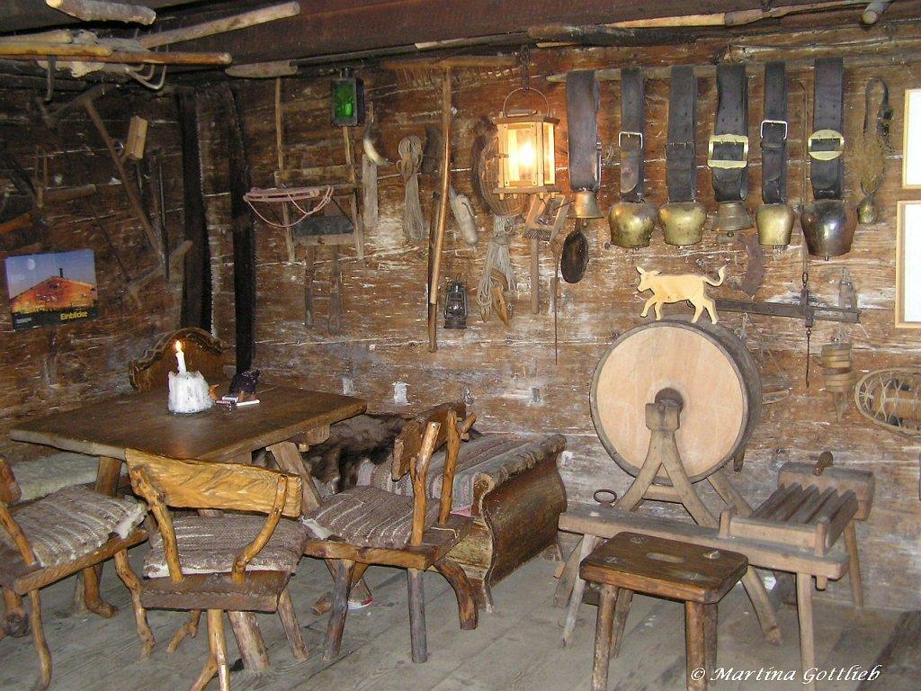 Winterlich Angehauchtes Altes Bauernhaus In Gerstruben Am Hang