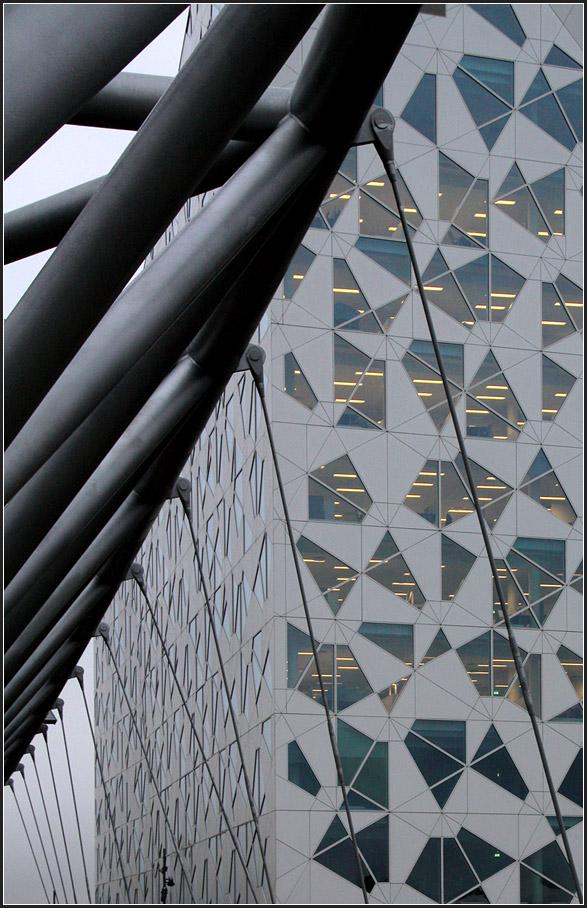 Das eigene b ro b rogeb ude der architekten herzog de meuron in basel am rh staedte - Dekokette fenster ...