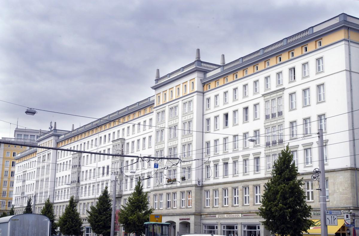 Architektur Magdeburg alte ddr architektur an der ernst reuter allee in magdeburg