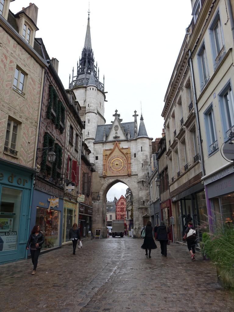 17 Jahrhundert Bild Architektur: Auxerre, Tour Gaillard, Erbaut Im 15. Jahrhundert Mit Uhr
