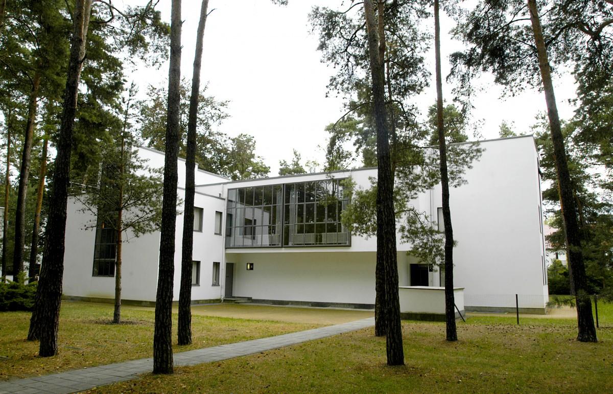 bauhaus in dessau meisterhaus klee paul klee lebte im letzten der meisterh user mit seiner fr. Black Bedroom Furniture Sets. Home Design Ideas