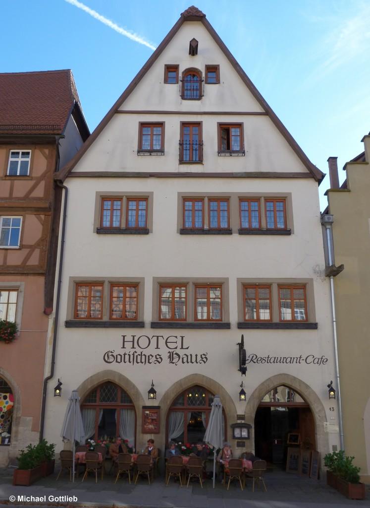 Hotel Gotisches Haus neben dem Hornberghaus in der