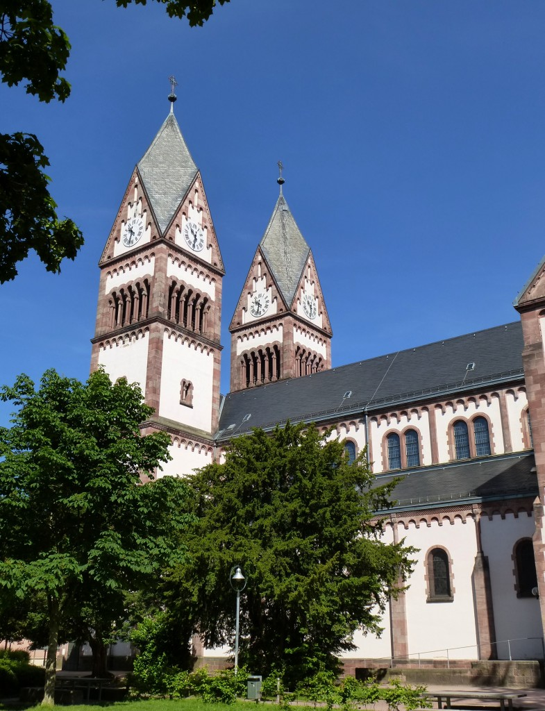 Offenburg, die katholische Dreifaltigkeitskirche, erbaut