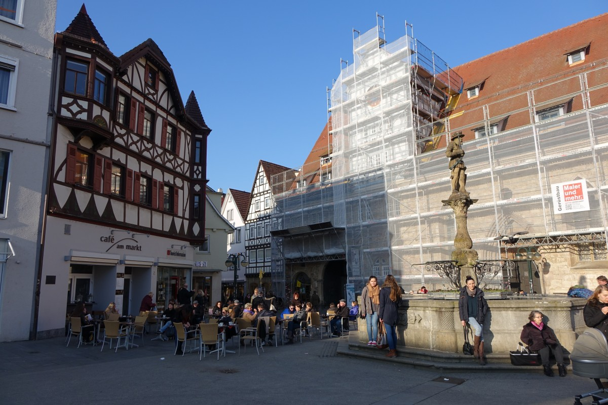 reutlingen marktplatz marktbrunnen mit statue von kaiser maximilian ii staedte. Black Bedroom Furniture Sets. Home Design Ideas