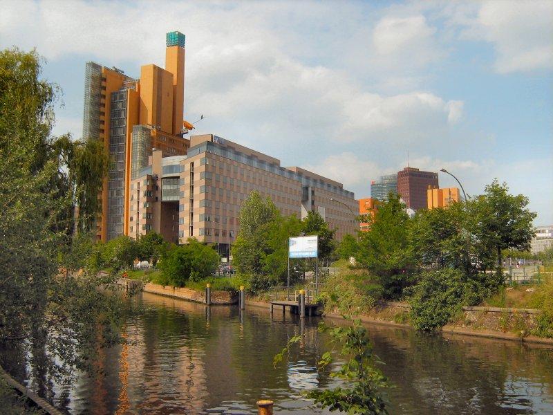 berlin landwehrkanal in der n he des potsdamer platzes 2007 staedte. Black Bedroom Furniture Sets. Home Design Ideas