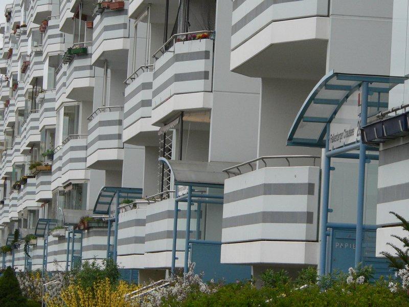 individuelles wohnen in relativ gleichen wohnungen hohensch nhausen 8 staedte. Black Bedroom Furniture Sets. Home Design Ideas