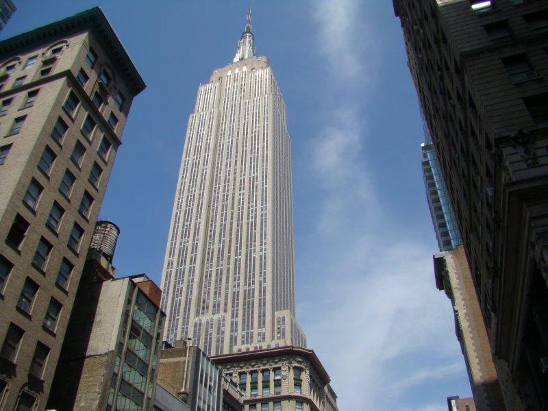 hoher blick zum empirestatebuilding das gr te geb ude in new york city 448 7 m zur spitze. Black Bedroom Furniture Sets. Home Design Ideas