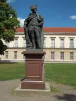 Berlin, Schloss Charlottenburg, Neuer Flügel, Friedrich d.Gr., Standbild von Goffried Schadow (aufgenommen am 13.08.2012)