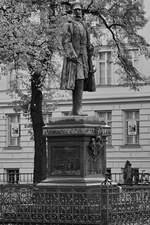 Ein Denkmal von Prinz Albrecht von Preussen in Berlin-Charlottenburg.