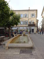 Carpentras, Brunnen am Place de Inguimbert in der Altstadt (22.09.2017)