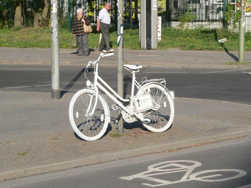 Weiße Fahrräder